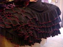 Faldas  flamenco   faldas de cola