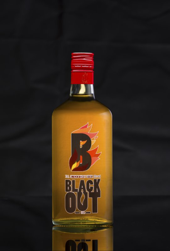BLACKOUT SPICY CINNAMON WHISKY