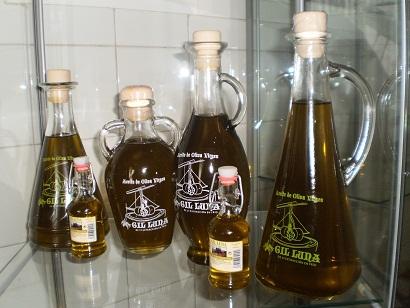 Comprar Aceite de Oliva Virgen de 1ª ectracción en frío. Diferentes modelos cristal, capacidad 500 c.c.l: Olivia, Egipcia, Fenicia y Oil Cuadrada Cristal Mod. Egipcia 250 c.c.