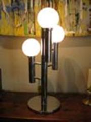 Lámpara metal cromado