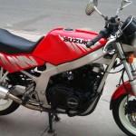 Moto Suzuki GS