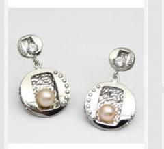 Pendientes plata con perla cultivada de color,