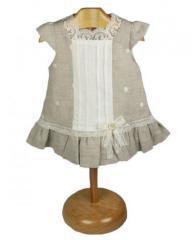 Vestido de lino en tono piedra con puntilla
