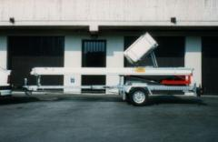 Elevador de mudanzas sobre remolque Magica 2000