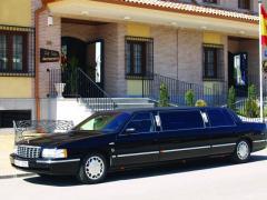 Limousina Cadillac de Ville ( Siete metros de longuitud )  matriculada en España