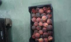 Красный персик из Испании