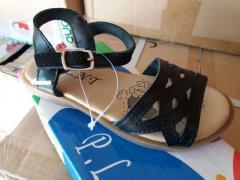 Zapatos y zapatillas para niños