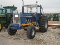 Tractor Ebro 6125 con soporte de pala tenias