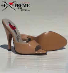Zapatos y sandalias de tacon alto, high heel sandals and shoes