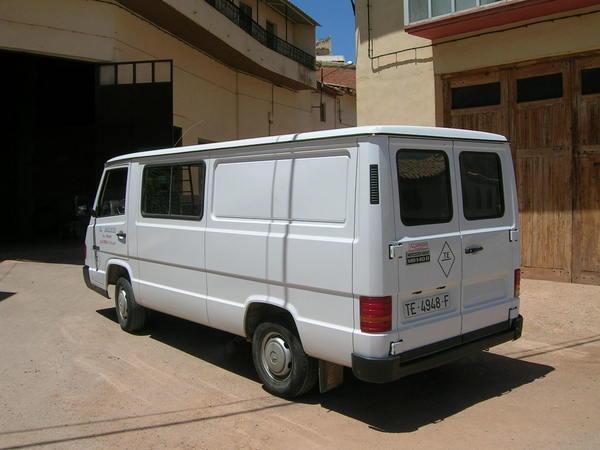 Pedido Alquiler de furgoneta Mercedes 208 8M3