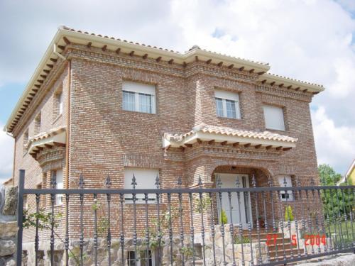 Pedido Venta de Chalet construido en el casco urbano de Becerril de la Sierra