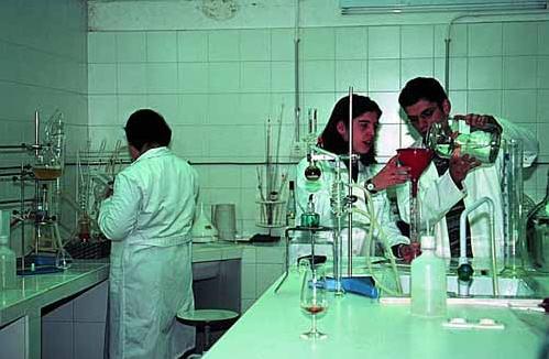 Pedido Nuestro laboratorio a su disposición en el I+D+I y en el desarrollo de nuevos colores.