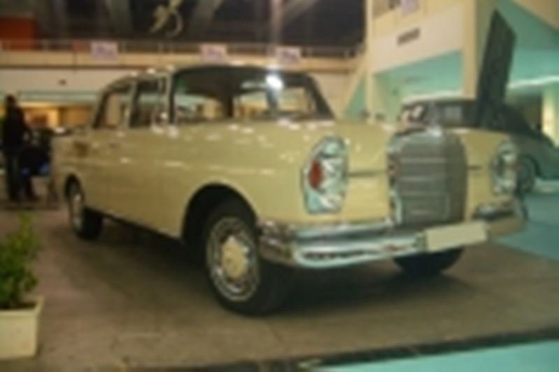 Pedido Mercedes 220 Se Colas (1962)