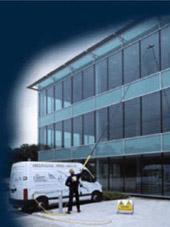 Servicio de limpieza de cristales para empresas y particulares